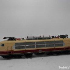Trenes Escala: LOCOMOTORA ELECTRICA DE LA DB SERIE 103 ESCALA HO DE ROCO . Lote 120812095