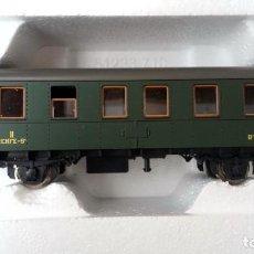 Trenes Escala: VAGÓN DE PASAJEROS RENFE 2ª CLASE ROCO H0. Lote 121699451