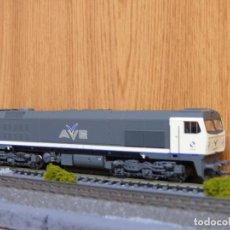 Trenes Escala: ROCO H0 DIGITAL LOCOMOTORA DIESEL-ELECTRICA 319 AVE - RENFE, REFERENCIA 69441. Lote 122231475