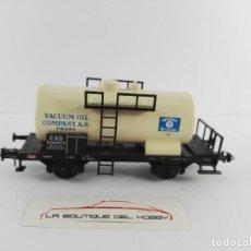 Trenes Escala: VAGON CISTERNA VACUUM OIL COMPANY A.S. PRAHA CSD ROCO 48040 ESCALA H0. Lote 125077991