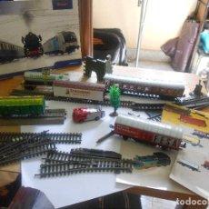 Trenes Escala: LOTE TREN H0, ROCO, LIMA, CRUZCAMPO..VAGONES, ACCESORIOS, DIORAMA, REGALO HOJALATA Y OTROS. Lote 131100012
