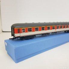 Comboios Escala: ROCO VAGÓN DE LA DB ALEMANA NARANJA ESCALA H0 CORRIENTE CONTINUA DE 30 CM. Lote 136702489