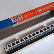 Trenes Escala: ROCO H0 VAGÓN COCHE DE PASAJEROS 2ª RENFE DANIONE, BC10X-12605. VÁLIDO IBERTREN. Lote 145400402