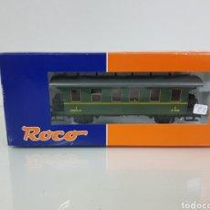 Trenes Escala: ROCO 44947 RENFE ESCALA H0 CORRIENTE CONTINUA WAGON DE PRIMERA CLASE DE PASAJEROS 14 CM. Lote 147839129