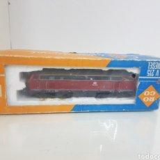Trenes Escala: ROCO DE BV-215 4151 ESCALA H0 CORRIENTE CONTINUA DIGITAL GRANATE 19 CM. Lote 149109248