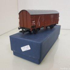Trenes Escala: VAGÓN ROCO CSD DE MERCANCÍAS MARRÓN 11 CM. Lote 151065254