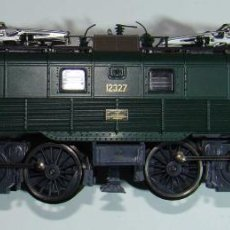 Trenes Escala: ROCO LOCOMOTORA ELÉCTRICA 12327 CORRIENTE CONTINUA - ESCALA H0. Lote 151291878