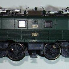 Trenes Escala: ROCO LOCOMOTORA ELÉCTRICA 12327 CORRIENTE CONTINUA - ESCALA H0. Lote 155787550