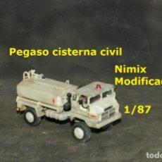 Trenes Escala: 1/87 CAMIÓN PEGASO CISTERNA CIVIL. Lote 171488423