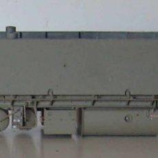 Trenes Escala: CHASIS METALICO GRIS LOCOMOTORA 319 DE ROCO ESCALA HO. Lote 295451938