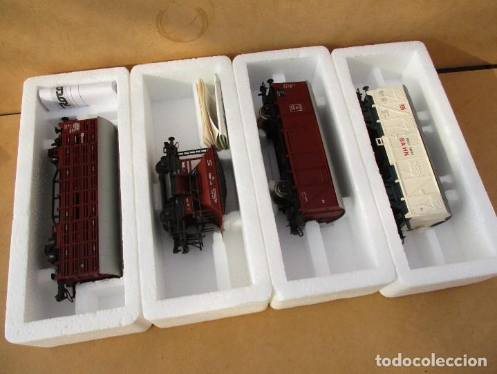 Trenes Escala: ROCO TRES CERRADOS Y UNO TOLVA - Foto 2 - 179212368