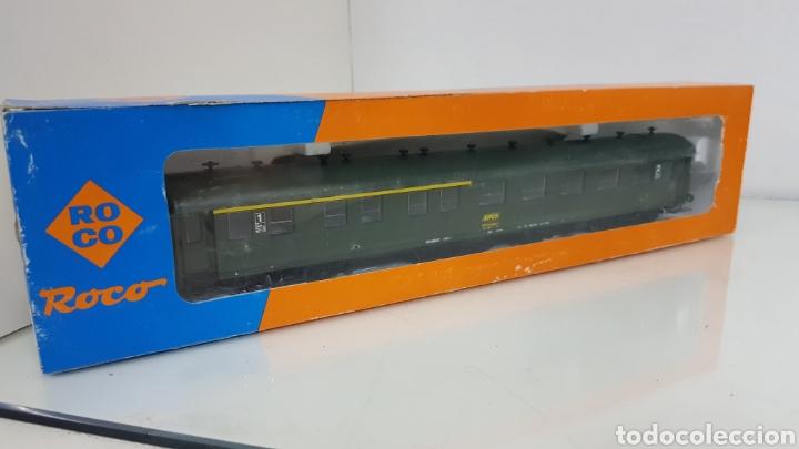 ROCO 444633 VAGÓN DE LA SNCF FRANCESA SEGUNDA CLASE Y PRIMERA 27 CM ESCALA H0 CORRIENTE CONTINUA (Juguetes - Trenes a Escala H0 - Roco H0)