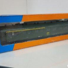 Trenes Escala: ROCO 444633 VAGÓN DE LA SNCF FRANCESA SEGUNDA CLASE Y PRIMERA 27 CM ESCALA H0 CORRIENTE CONTINUA. Lote 180103136