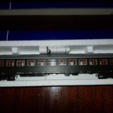 Trenes Escala: ROCO HO RENFE MILITAR VAGON PASAJEROS 45374. Lote 182925762