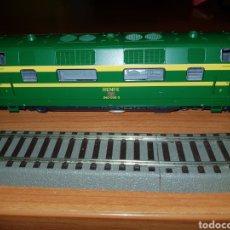 Trenes Escala: ROCO HO LOCOMOTORA RENFE 340 VERDE DIGITAL. Lote 184445088