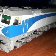 Trenes Escala: LOCOMOTORA ROCO H0 RENFE D 319.316.6 SONIDO 63446. Lote 186222230
