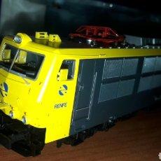 Trenes Escala: LOCOMOTORA ROCO RENFE H0 250 011 4 REF. 62420. Lote 186224352