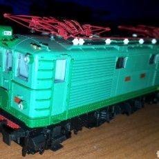 Trenes Escala: LOCOMOTORA ROCO RENFE H0 E 1004 REF. 62682. Lote 186256492