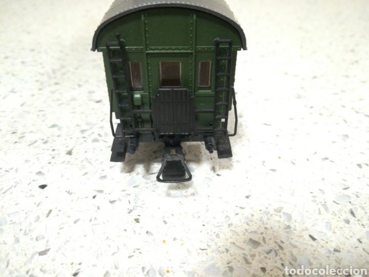 Trenes Escala: ROCO. Vagón de pasajeros de la DB alemana. Primera clase - Foto 4 - 186349490
