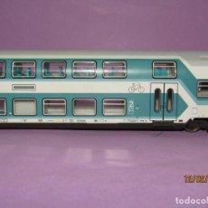 Trenes Escala: COCHE 2ª CLASE DUPLEX DE LA DB CON LUZ EN ESCALA *H0* REF. 45287 DE ROCO. Lote 193924902