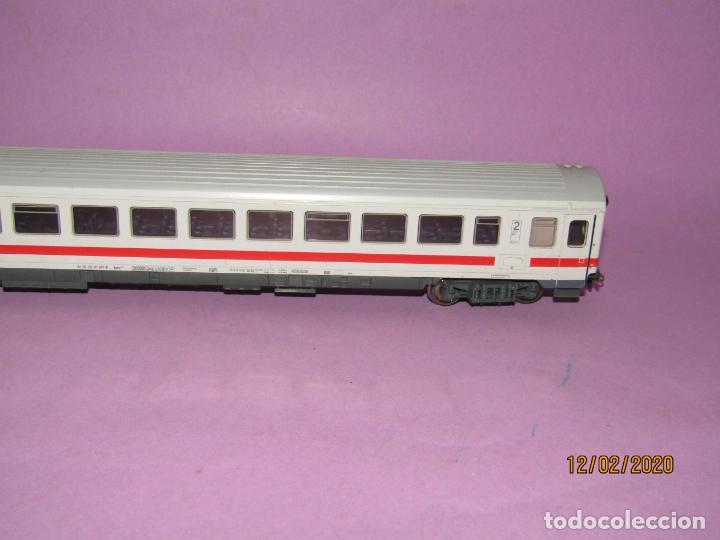 Trenes Escala: Coche 2ª Clase INTERCITY en Escala *H0* Ref. 45178 de ROCO - Foto 5 - 193928928