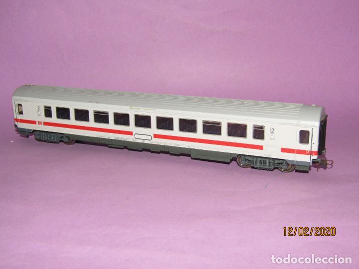 Trenes Escala: Coche 2ª Clase INTERCITY en Escala *H0* Ref. 45178 de ROCO - Foto 6 - 193928928
