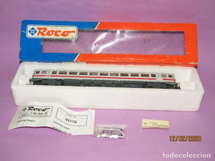 COCHE 2ª CLASE INTERCITY EN ESCALA *H0* REF. 45178 DE ROCO (Juguetes - Trenes a Escala H0 - Roco H0)