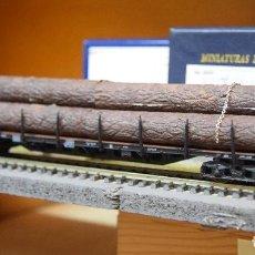 Trenes Escala: ROCO H0 VAGÓN PLATAFORMA DE BOGIES, CARGADO CON TRONCOS, DE LA DB, REFERENCIA 4360.. Lote 193971126