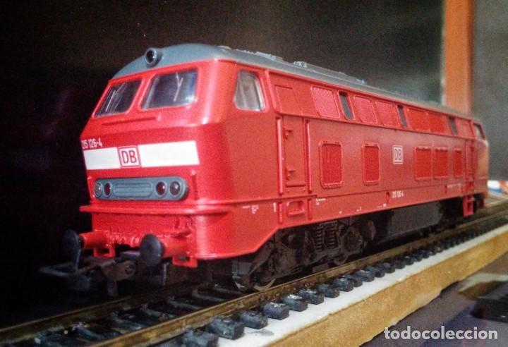 Trenes Escala: Locomotora Diesel ROCO 63490 DB-AG 215 126-4 - Foto 2 - 197482057