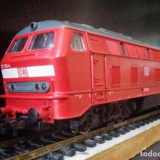 Trenes Escala: LOCOMOTORA DIESEL ROCO 63490 DB-AG 215 126-4. Lote 197482057