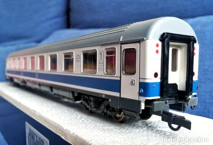 ROCO 45616 RENFE COCHE PASAJEROS 10.000 1ª CLASE. (Juguetes - Trenes a Escala H0 - Roco H0)
