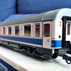 Trenes Escala: ROCO 45616 RENFE COCHE PASAJEROS 10.000 1ª CLASE.. Lote 201553038