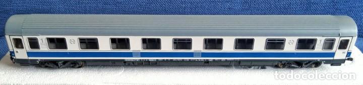 Trenes Escala: ROCO 45616 RENFE Coche pasajeros 10.000 1ª Clase. - Foto 3 - 201553038