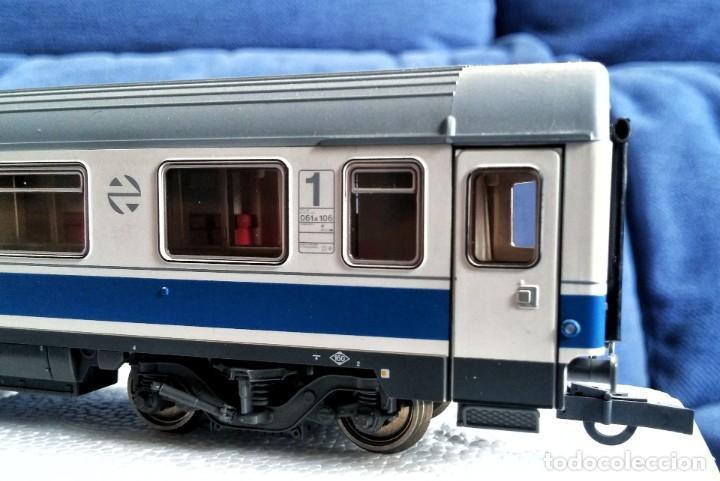 Trenes Escala: ROCO 45616 RENFE Coche pasajeros 10.000 1ª Clase. - Foto 2 - 201553038