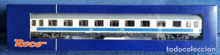 Trenes Escala: ROCO 45616 RENFE Coche pasajeros 10.000 1ª Clase. - Foto 4 - 201553038