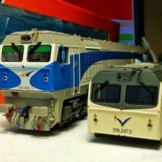Trenes Escala: ROCO 63445 LOCOMOTORA DIESEL RENFE 319 GRANDES LINEAS. REGALO CARCASA Y FALDONES 319 AVE!!!. Lote 203771848