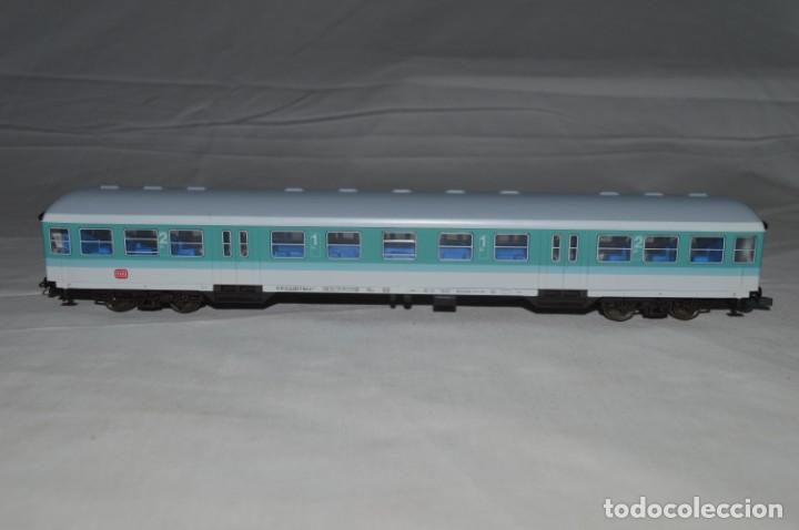 Trenes Escala: Vagón de pasajeros de 1ª y 2ª clase de la DB. Esc. H0. Roco. romanjuguetesymas. - Foto 3 - 205713583