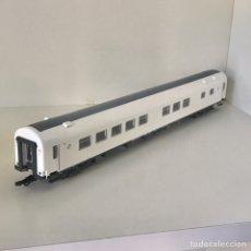 Comboios Escala: ROCO 64609 EXTRAÑO COCHE RESTAURANTE DE RENFE. Lote 209109020