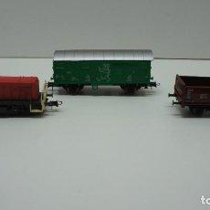 Trenes Escala: MAQUINA Y 2 VAGONES H0 MARCA ROCO .. Lote 217978465