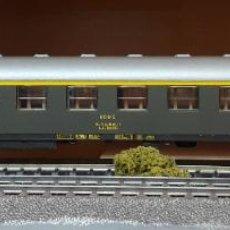 Trenes Escala: ROCO H0 COCHE DE VIAJEROS 1ª CLASE S/AA 8500, DE RENFE, REFERENCIA 44464.. Lote 218054251