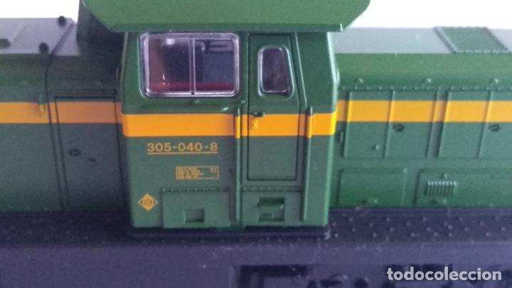 Trenes Escala: ROCO H0 LOCOMOTORA TRACTOR DE MANIOBRAS RENFE 305-040, EN CAJA. CON LUZ. FUNCIONA.CONTINUA - Foto 9 - 226135956