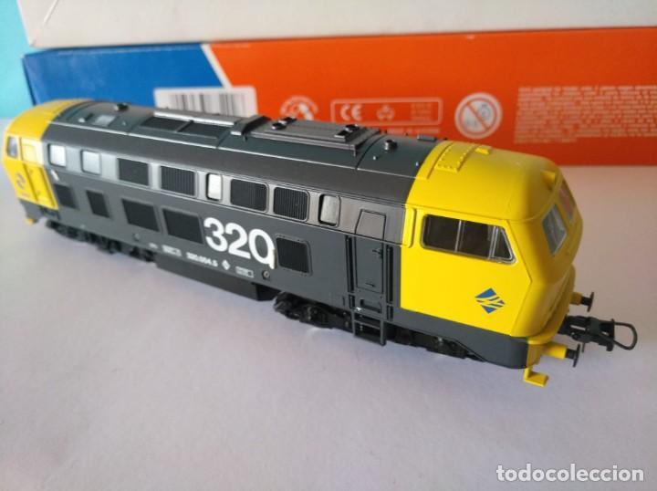 Trenes Escala: ROCO HO LOCOMOTORA RENFE REF: 63492 D320.004.5 - Foto 2 - 227713021