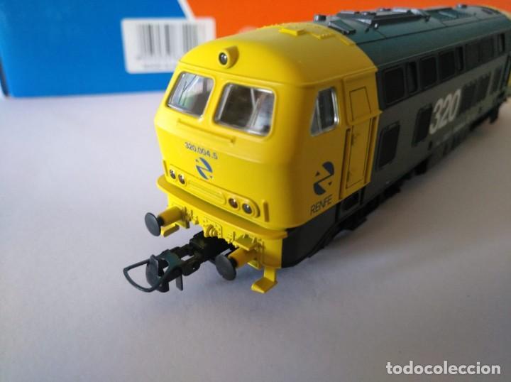 Trenes Escala: ROCO HO LOCOMOTORA RENFE REF: 63492 D320.004.5 - Foto 4 - 227713021