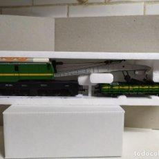 Trenes Escala: VAGÓN GRÚA Y PLATAFORMA , RENFE , ROCO 56095. Lote 229612010