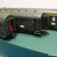 Trenes Escala: ROCO -3 COCHES DE PASAJEROS DE LA SNCF - ESCALA H0. Lote 236007475