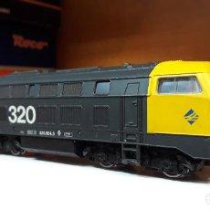 Trenes Escala: ROCO H0 LOCOMOTORA DIÉSEL 320 , DE RENFE, REFERENCIA 63492 ANALÓGICA DC.. Lote 244867340