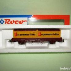 Trenes Escala: ANTIGUO VAGÓN TELEROS RENFE CON CONTENEDOR 11ER POMMES FRITES ESCALA *H0* DE ROCO. Lote 251270160