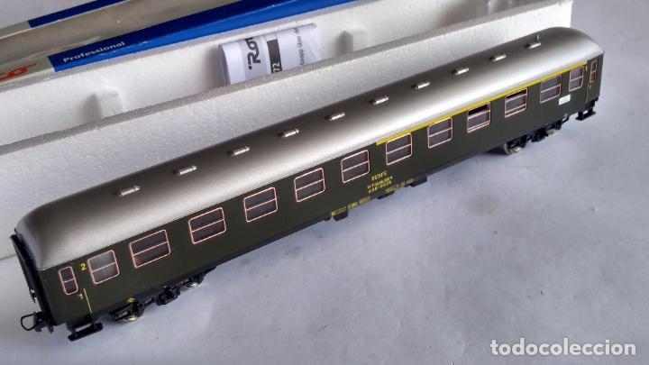 Trenes Escala: ROCO H0 REF 45372, VAGÓN COCHE DE PASAJEROS RENFE 1ª-2ª. COMO NUEVO, EN CAJA - Foto 3 - 253919170