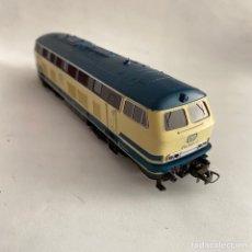 Trenes Escala: TREN LOCOMOTORA DIESEL V 215 033-2 DB ROCO ESCALA H0. Lote 254904015