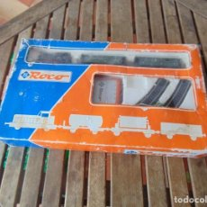 Trenes Escala: TREN A ESCALA HO DE ROCO CAJA MODELO 41042, LOCOMOTORA Y 2 VAGONES. Lote 266756323
